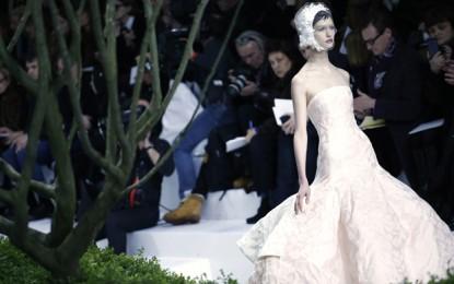 Модното шоу на Christian Dior по време на седмицата на модата в Париж